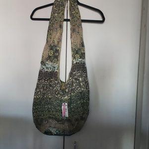 Reversible cross body bag